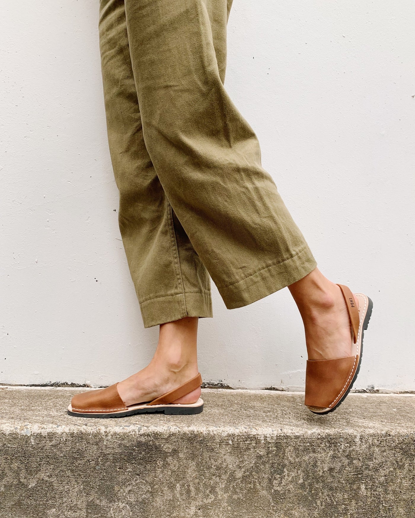 Avarca Leather Sandals - Tan