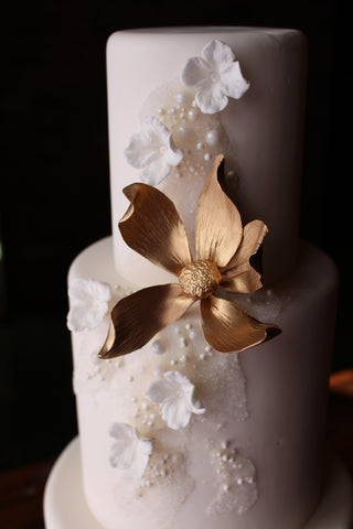 intricate icings wedding cake stands