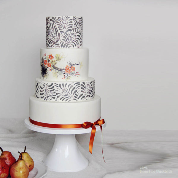 wedding cake stands 14 inch amp 16 inch white wedding cake stands s stands 25646