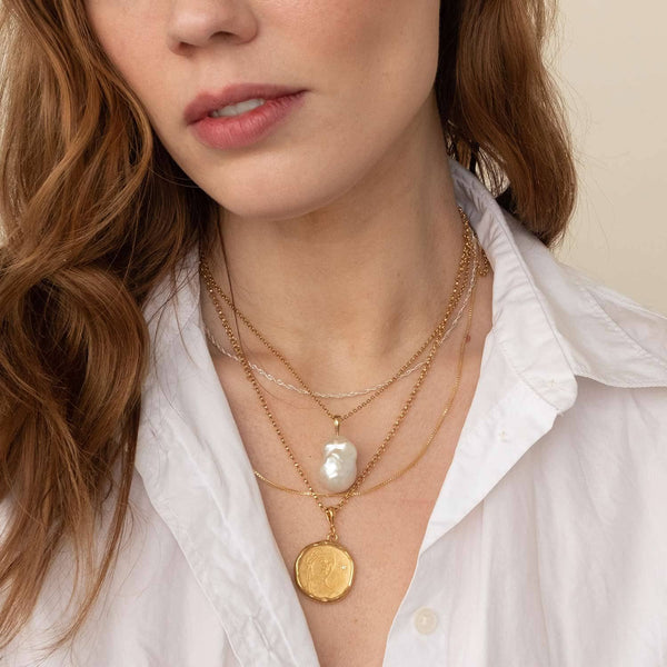 Circe Gold and Diamond Medallion Necklace - COMMON ERA