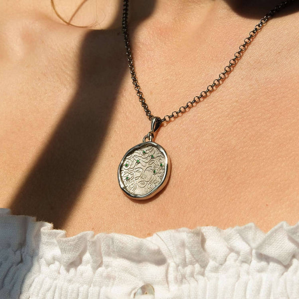 Medusa 7 Emerald Silver Medallion Necklace - COMMON ERA