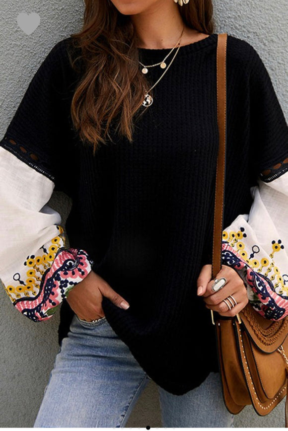SWEETHEART EMBROIDERED TOP