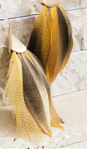 FEATHER AND GOLD EARRINGS (MUSTARD)