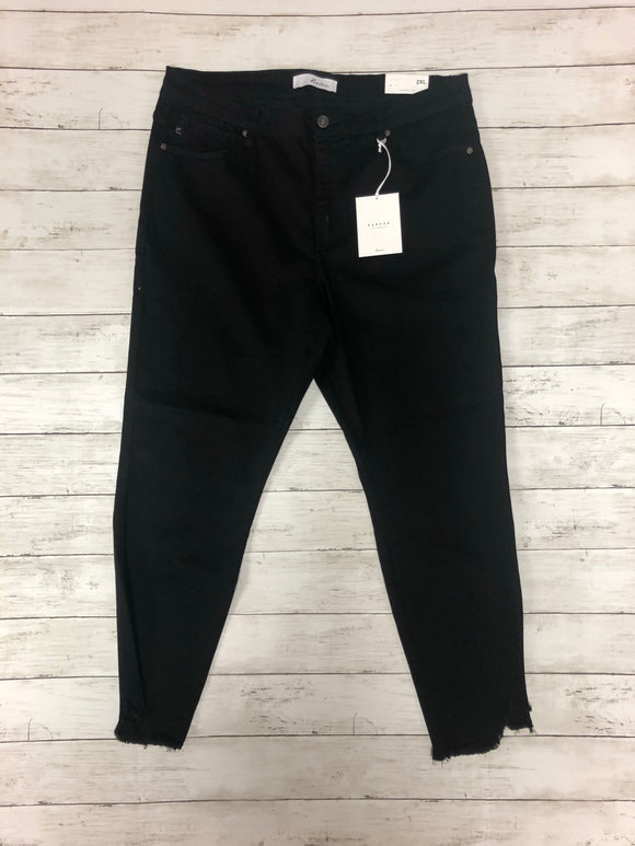PLUS SIZE BLACK KANCAN JEANS WITH FRAYED HEM