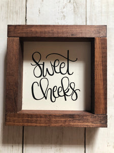 3x3 BATHROOM SIGN DECOR - SWEET CHEEKS (White)