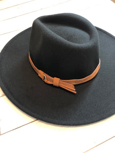 FALL COLLECTION - WIDE BRIM FELT HATS