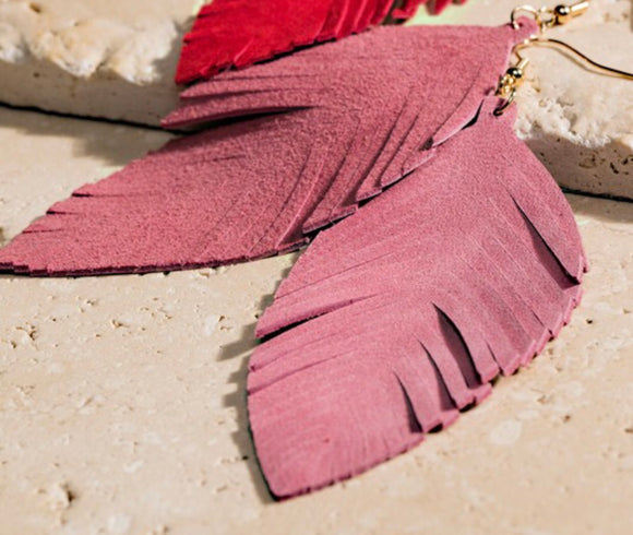 DUSTY PINK FEATHER EARRINGS (Leather)