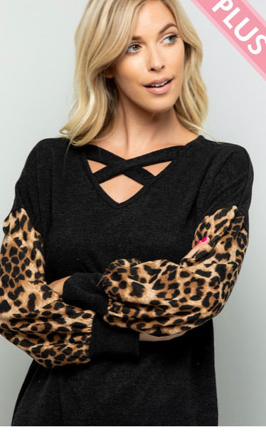 PLUS SIZE CHEETAH SLEEVE KEYHOLE TOP