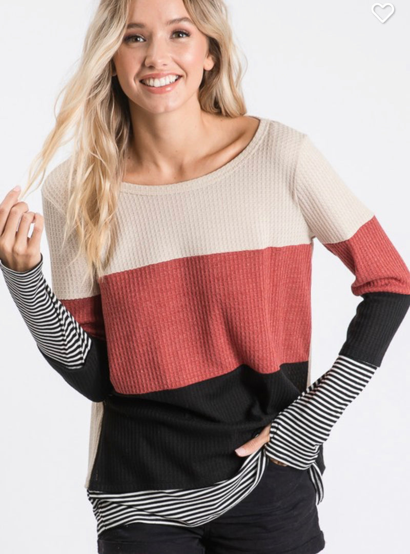 THE HARVEST THUMBHOLE TOP