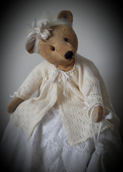 Angela Tamayo. Antique Bear Collector and Accessories