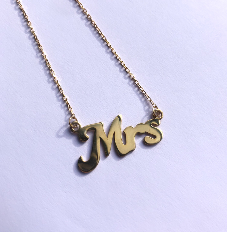 New! Mrs Necklace in Gold