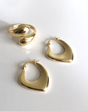 Jodie- Gold Water Drop Ring