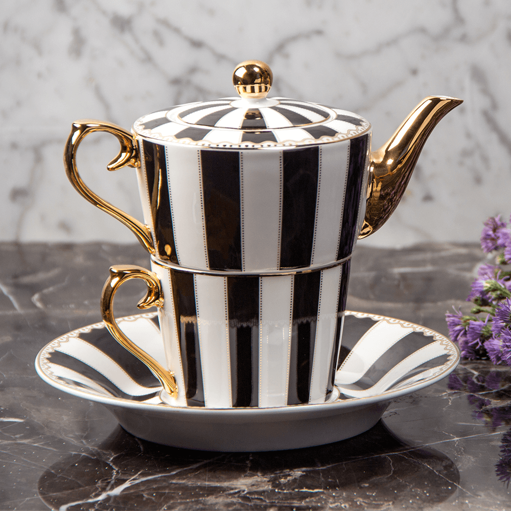 Aristrocrat's Fantasy Tea Set