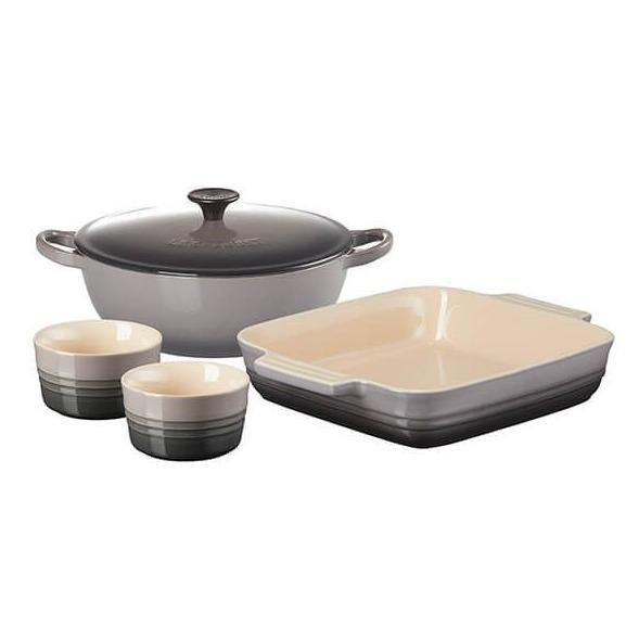 Le Creuset 22cm Classic Cast Iron Soup Pot / 23cm Classic Stoneware Square Dish and Set of 2 Classic Ramekins Flint