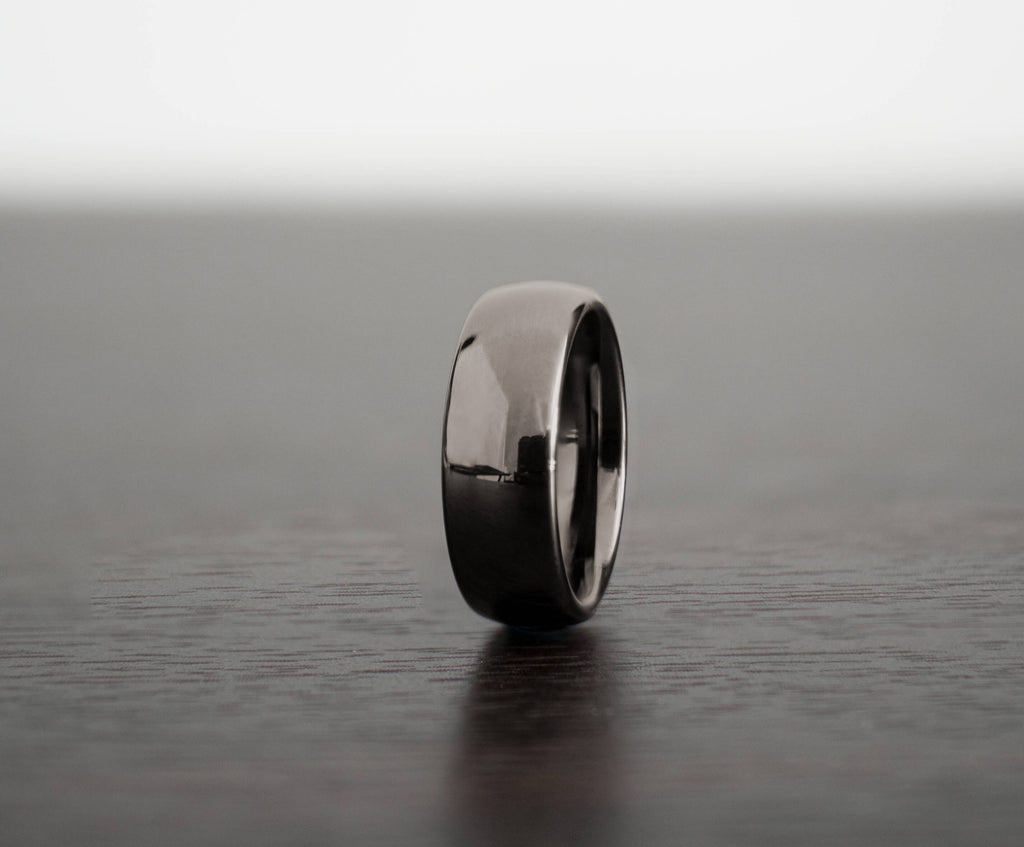 mens-gunmetal-classic-tungsten-wedding-band-slight-angle