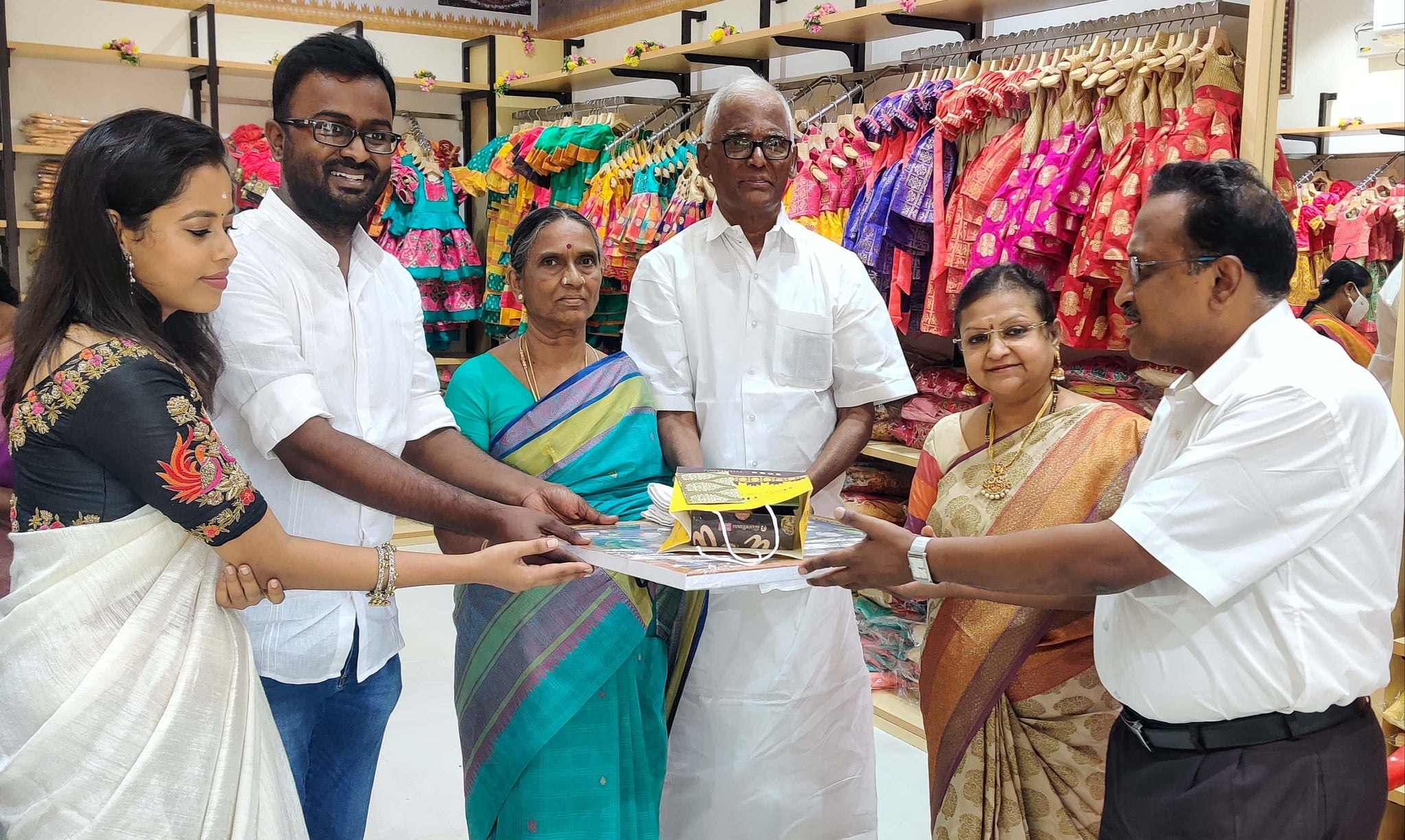 Our-esteemed-guests-at-opening-of-our-store-the-nesavu-ps-rangasami-chairman-psr-silks