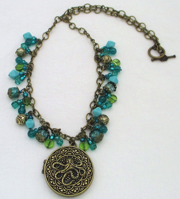 ocean green beaded cluster necklace