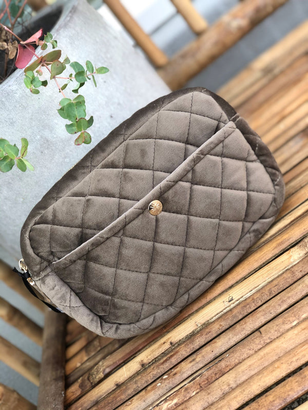 Medium Beauty Bag Warm Grey