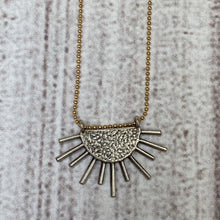 Load image into Gallery viewer, Starburst Necklace Silver