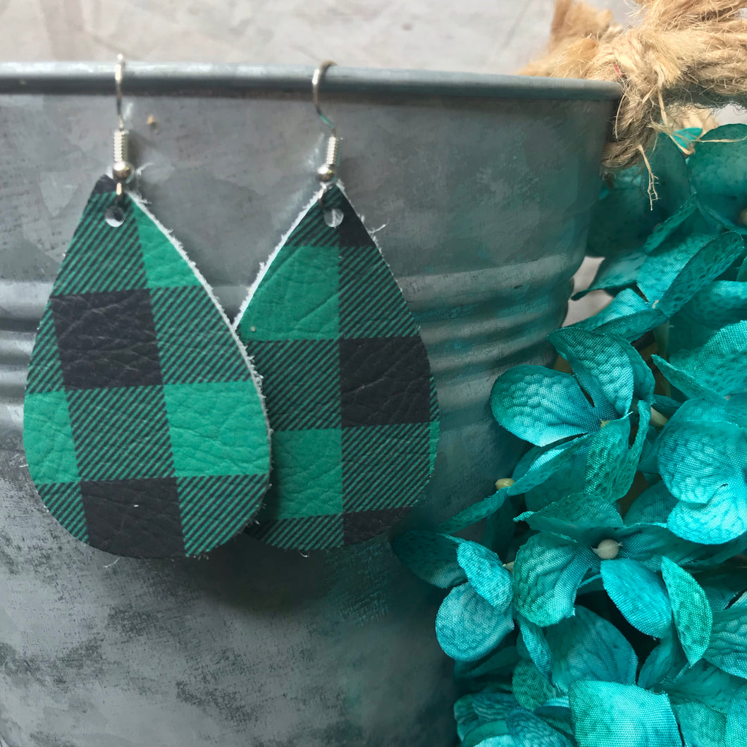Green & Black Buffalo Plaid
