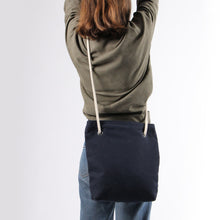 Load image into Gallery viewer, Girl in jeans with shoulder bag in blue hemp canvas with off white rope strap
