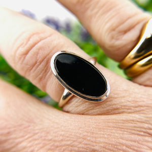 Classic vintage onyx ring in white gold