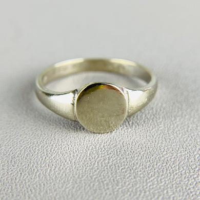 Vintage white gold signet ring