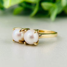 Load image into Gallery viewer, Vintage 2 stone pearl ring in 14k yellow gold