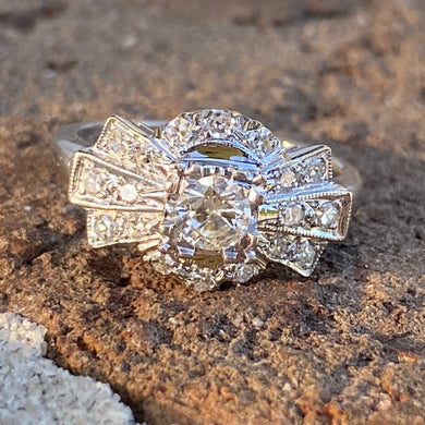 Vintage Diamond ring in white gold