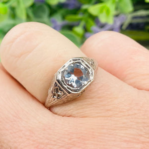 Vintage 10k white gold aquamarine ring