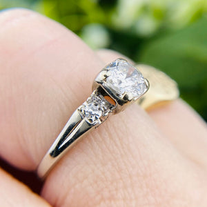 Vintage diamond engagement ring in 14k white gold