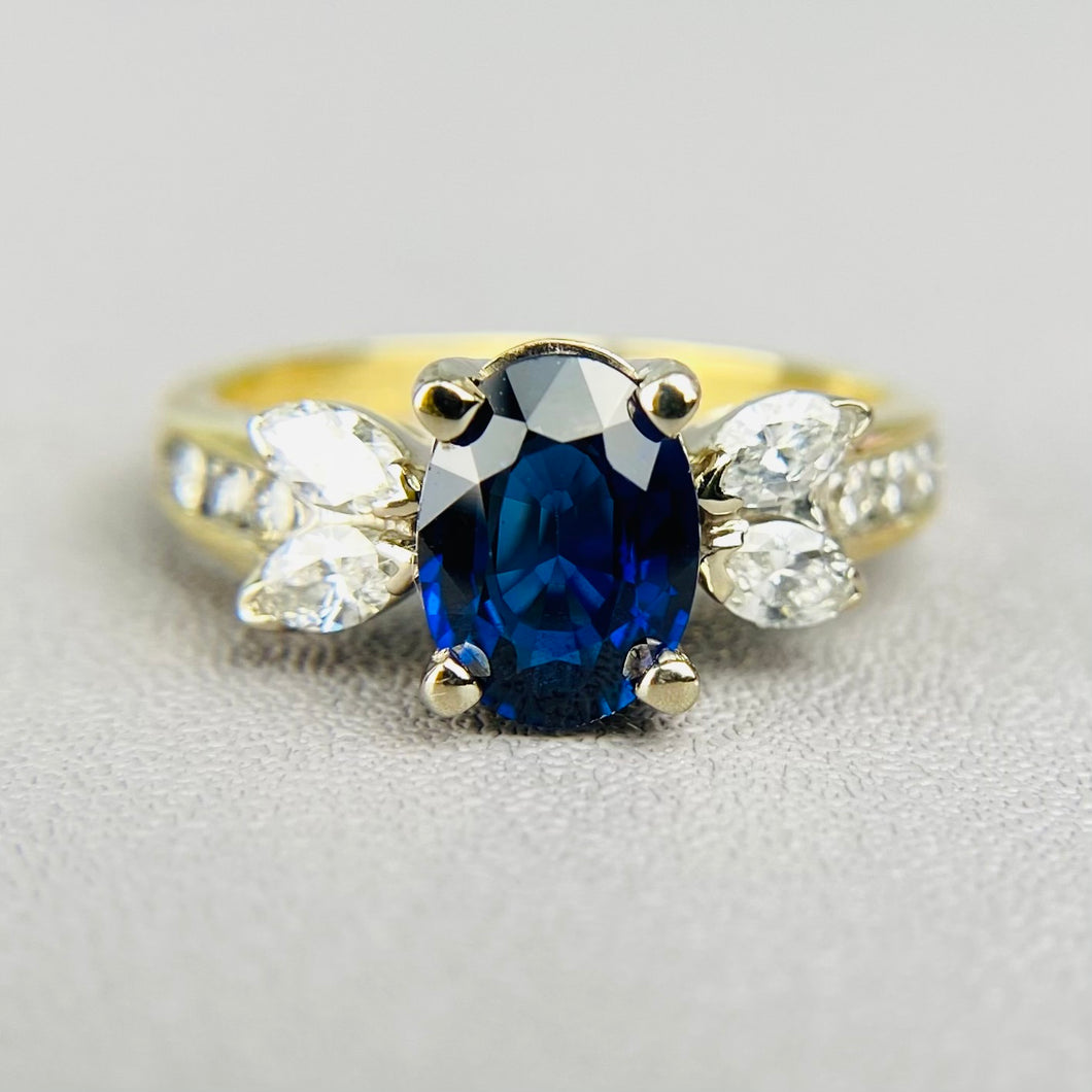 Sapphire and diamond ring 18k yellow gold