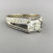 Load image into Gallery viewer, Radiant cut diamond ring in white gold