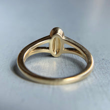 Load image into Gallery viewer, Diamond oval cluster ring in yellow gold