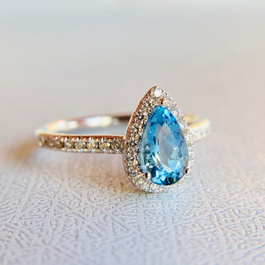 Aquamarine and Diamond 14k white Gold Ring