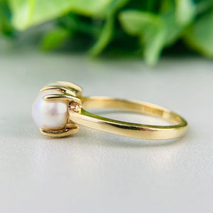 Vintage 2 stone pearl ring in 14k yellow gold