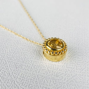 Citrine necklace in yellow gold