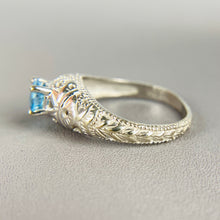 Load image into Gallery viewer, Blue topaz ring in white gold