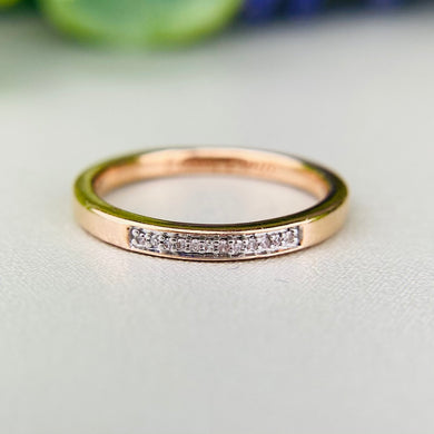 Diamond band ring in rose gold