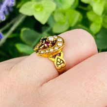 Load image into Gallery viewer, Vintage seed pearl horseshoe ring in yellow gold