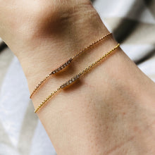 Load image into Gallery viewer, Dainty diamond bracelet in 10k