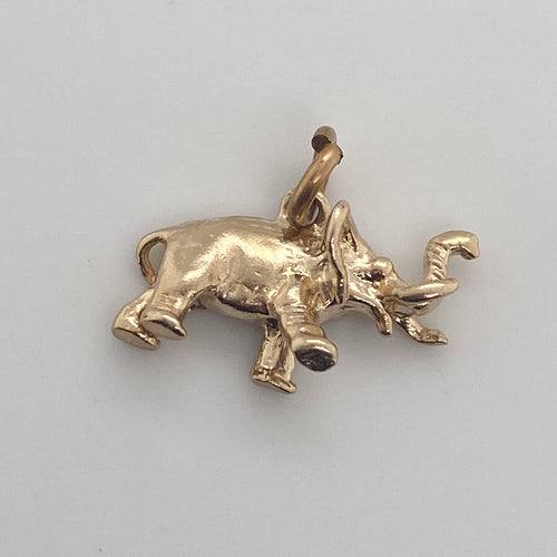 14k yellow gold adorable elephant charm