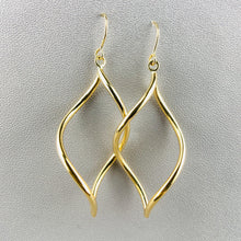 Load image into Gallery viewer, Twisted drop earrings in 14k yellow gold