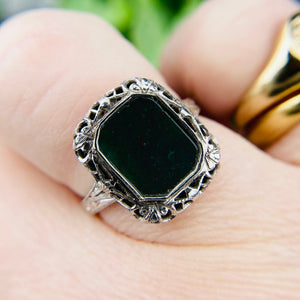 Vintage Bloodstone filigree ring in 14k white gold