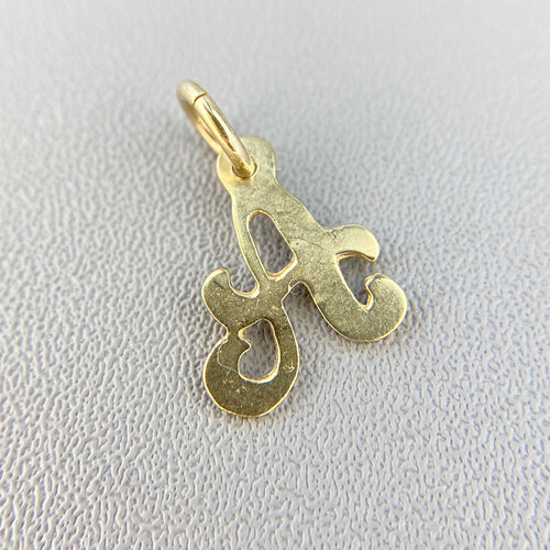 Letter A pendant/charm in yellow gold