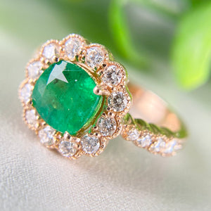 Emerald and diamond ring in 14k rose gold