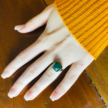 Load image into Gallery viewer, Sugarloaf green onyx vintage ring in 14k yellow gold