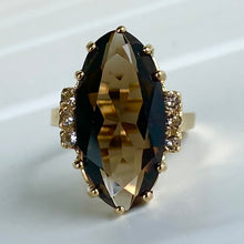 Load image into Gallery viewer, Vintage Smokey Quartz ring in yellow gold