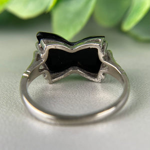 FINAL SALE!  Vintage bow shaped onyx ring in white gold