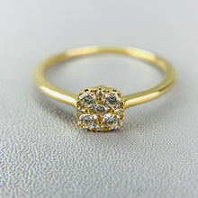 Load image into Gallery viewer, Delicate diamond cluster ring in yellow gold